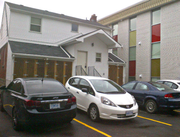 1098 Main St W., Hamilton, ON