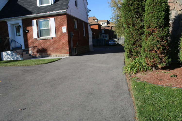 Outside showing driveway