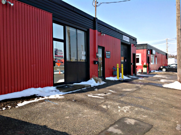 18 Tenant Office/Ware house Commercial Building